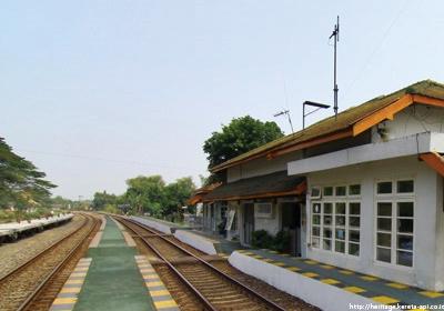 stasiunCaruban