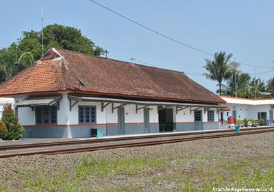 stasiunGumilir