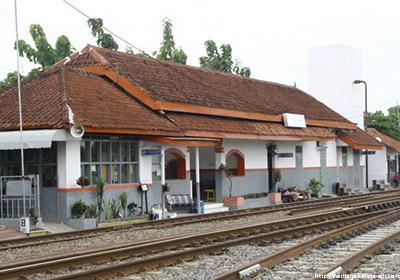 stasiunLosari