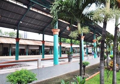 stasiunSurabayaGubeng
